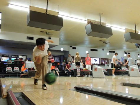 Bowling team strikes up new players