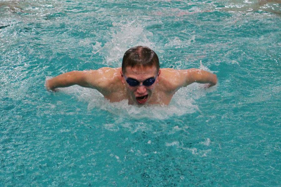 Boys' swimming flies into season