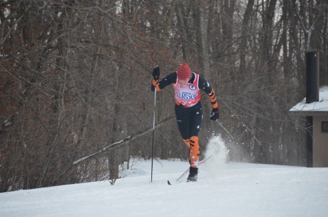 Nordic ski team strides toward State