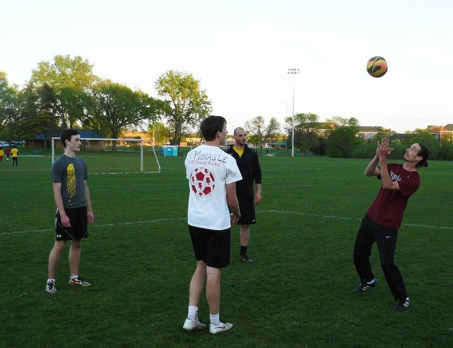 Soccer alumni give back to community