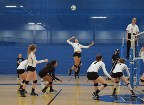 Girls' volleyball ends season with winning record