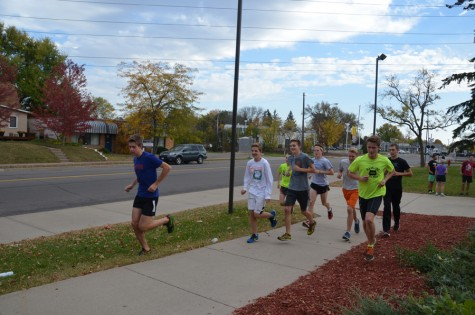 Runners complete final laps