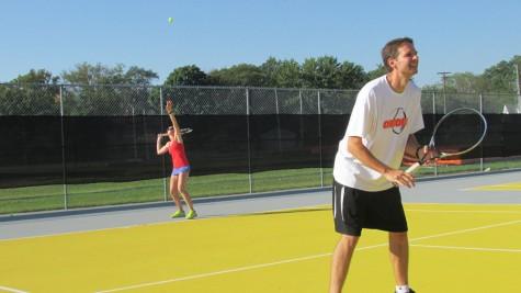 Girls' tennis hosts doubles tournament