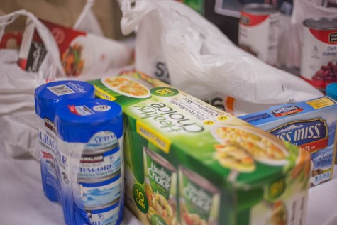 Boys' hockey organizes food drive