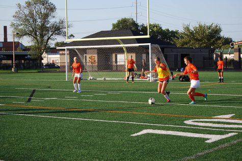 Girls' soccer emphasizes preseason play