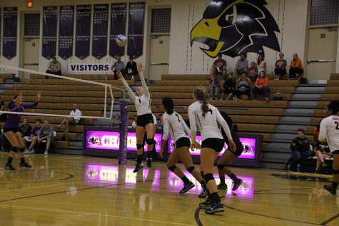 Girls' volleyball loses to Chaska