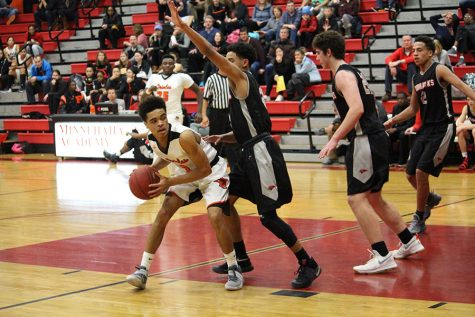 Boys' basketball seeks to rebound after loss