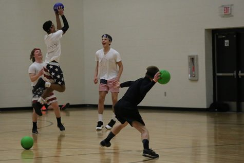 Student Council runs Sno Daze dodgeball tournament