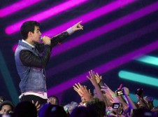 We Day encourages volunteer work with star-studded lineup