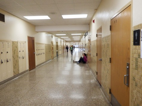 Committee creates new rule for hallway