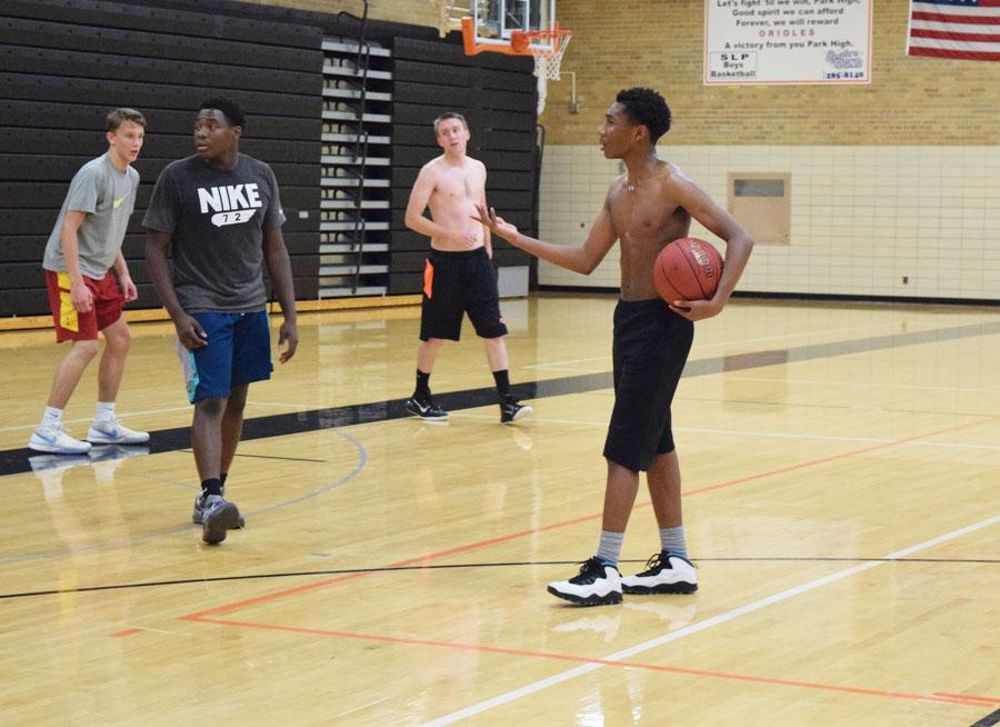 Sophomore+Cire+Mayfield+holds+the+basketball+during+open+gym+Nov.+2.