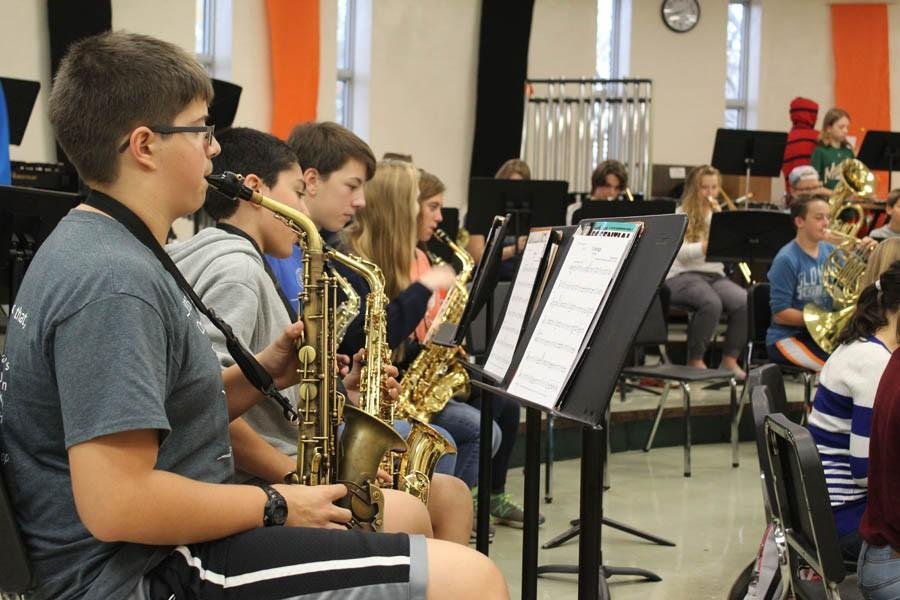Freshman+Henry+Hein+practices+during+his+first+hour+band+class+Feb.+10.+The+POPS+concert+is+at+7+p.m.+Monday%2C+March+7+in+the+auditorium.