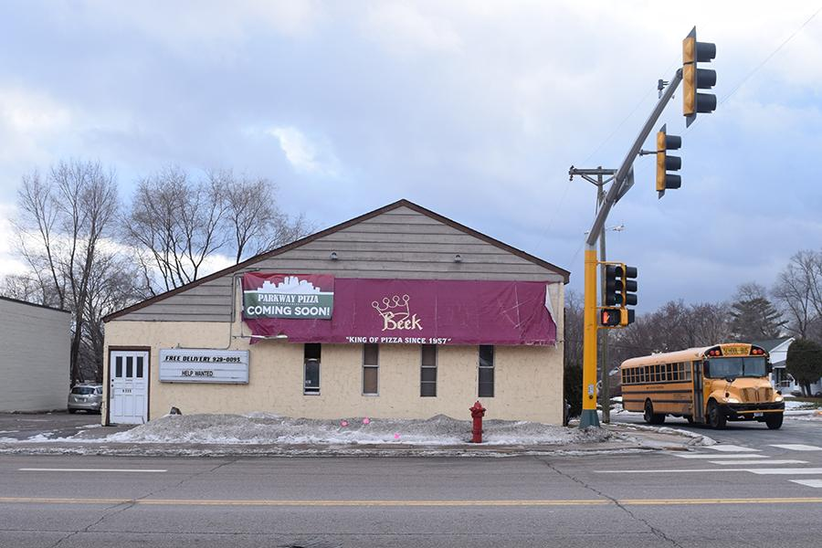 Parkway Pizza advertizes its new location. Parkway Pizza will open in May.