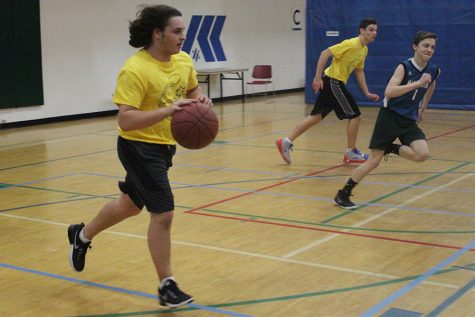 JOSL engages teenagers in basketball