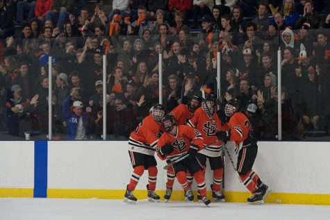 Boys' hockey beats Benilde in first Sections game