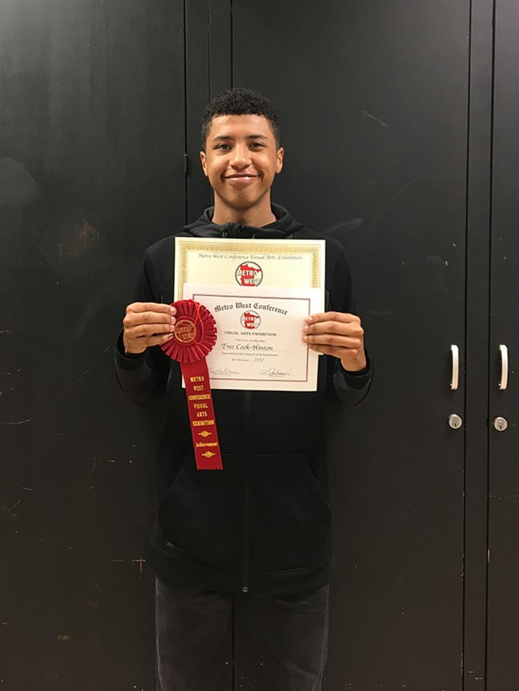 Senior+Trez+Cook-Hinton+with+his+award+of+achievement+for+his+photo+%22Grounded.%22+This+is+the+second+time+a+Park+student+has+won+an+award+of+achievement.+