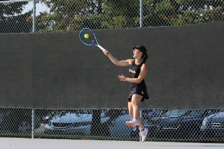 Girls tennis falls to Benilde