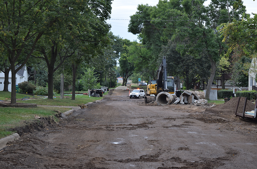 Construction+on+Brunswick+and+Hamilton+and+other+St.+Louis+Park+side+streets+causes+school+bus+riders+a+bumpy+ride+on+their+way+to+school.+This+portion+of+the+construction+includes+street+rehabilitation+and+watermain.