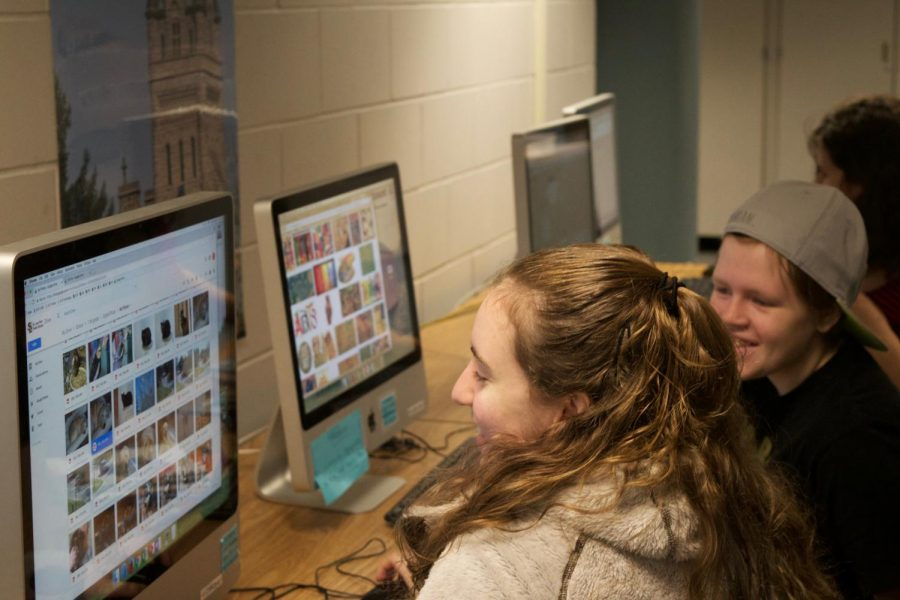 36 Arts members work on creating their new website in the At Large Lab before school. 36 Arts has been transitioning to a website to increase accessibility for readers.