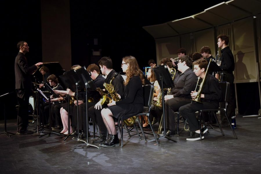 The+St+Louis+Park+High+School+jazz+band+warms+up+for+their+performance%2C+1%2F31%2F18.