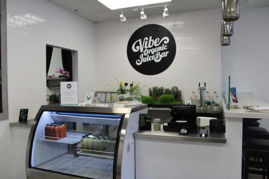 Vibe+Organic+Juice+Bar+opened+March+17+on+excelsior+boulevard.+They+serve+a+variety+of+juices%2C+smoothies+and+snacks.+