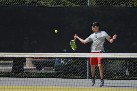 Boys' tennis defeated by number one seed Blake in Sections
