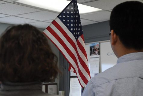 School now enforcing Pledge of Allegiance law
