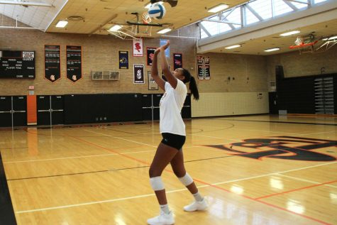 Senior commits to play Division 1 volleyball