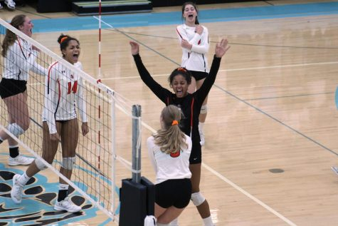 Volleyball beats Bloomington Jefferson