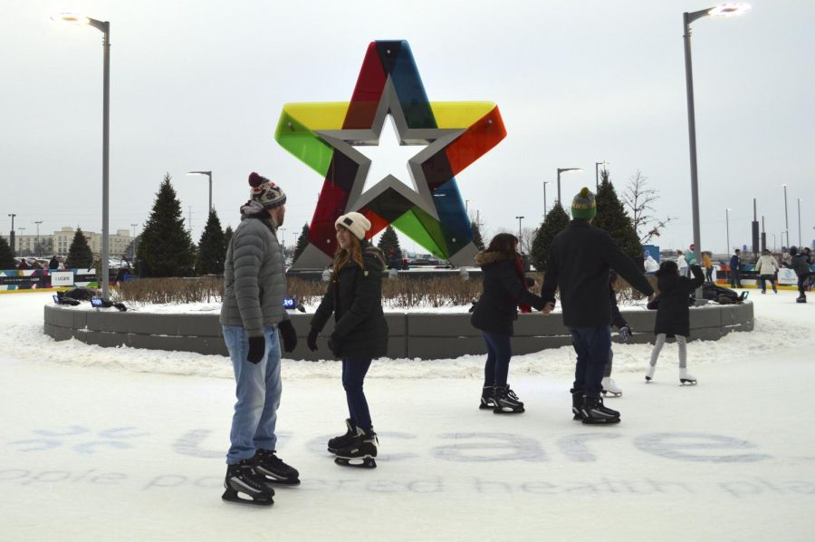 The+ice+skating+rink+outside+of+the+Mall+of+America+which+closes+on+Jan.+27.+According+to+the+Mall+of+America%2C+renting+ice+skates+requires+a+%245+fee.+%0A