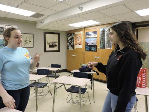 Senior president of 36 Arts Nechama Buchbinder talks with freshman Shira Hanovich during a 36 Arts meeting Jan. 15. 36 Arts meets every Tuesday morning from 8-8:40 am.
