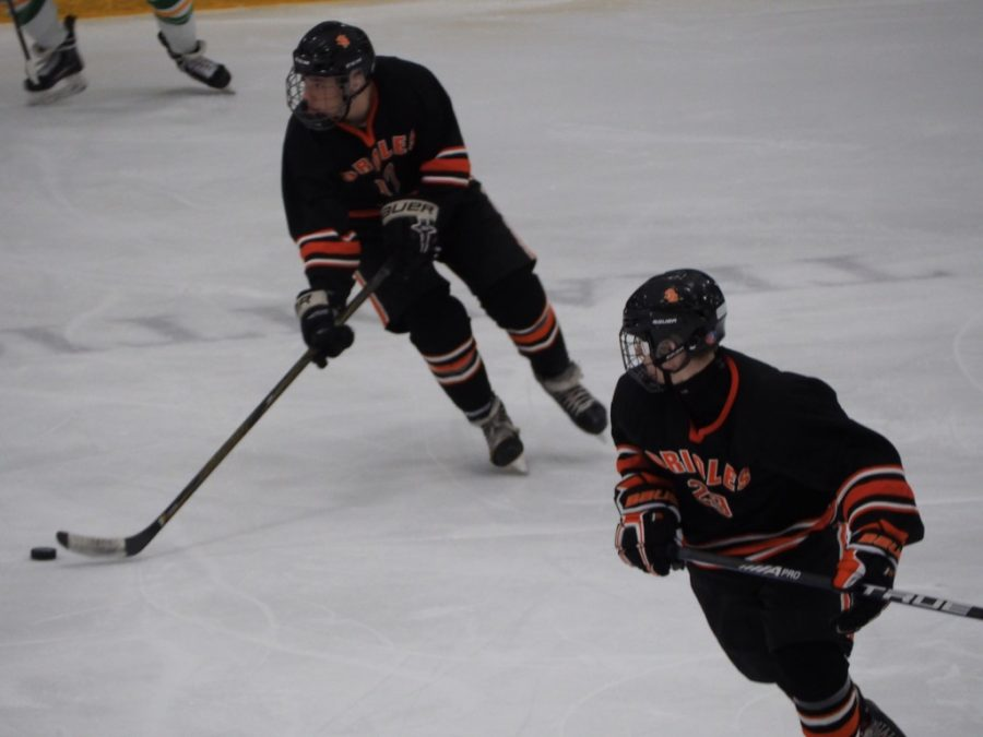 Sophomore+Drew+Boyum+attacks+open+space+to+get+toward+goal.+Park+had+10+shots+on+goal+but%2C+lost+0-8+against+Edina.+