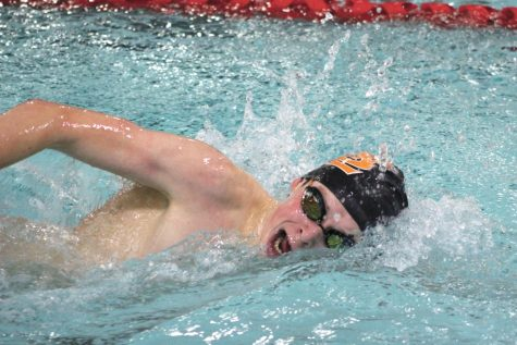 Boys' swimming prepares for Robbinsdale Cooper