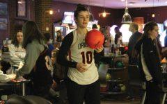Girls' lacrosse hosts bowling fundraiser