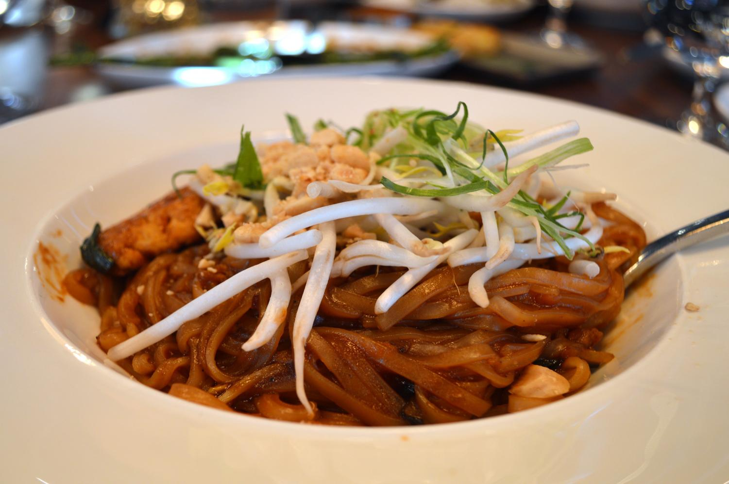 The vegetarian pad thai from Lat14 received the highest score with five stars.