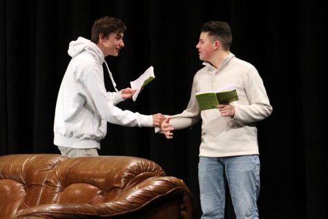 Theater welcomes new thespians