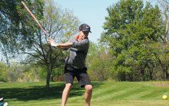 Boys' golf celebrates win over Southwest