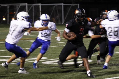 Football suffers defeat at Homecoming game