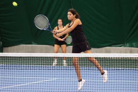 Girls' tennis loses Sections in shutout against Washburn