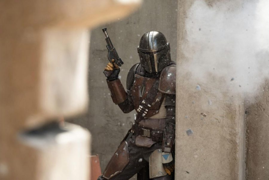 Fair+use+from+Disney.+Mando+avoids+gunfire+during+%22The+Mandalorian.%22+The+first+season+of+the+show+consists+of+eight+episodes.