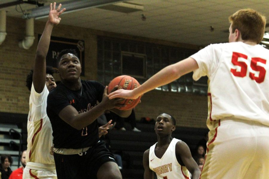 Boys' basketball plays Hopkins in upcoming game