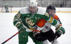 Boys' hockey falls to Edina