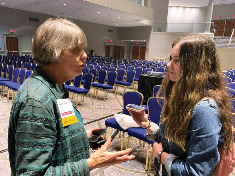 Junior Talia Lissauer interviews Mary Beth Tinker at the JEA/NSPA Fall Convention Nov. 22. Tinker has spent decades advocating for student press rights following her involvement in a Supreme Court case over the issue.