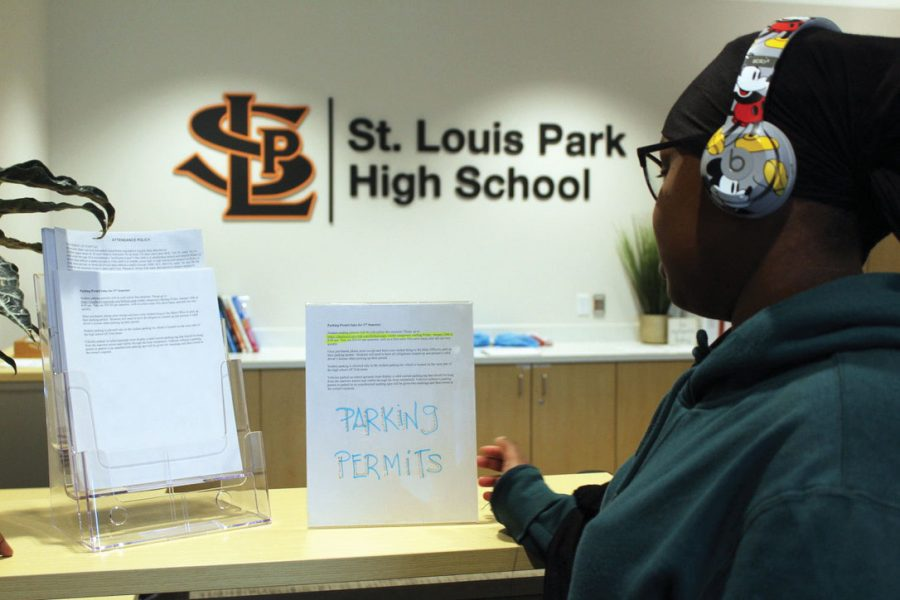 Parking passes  for second semester move to online sales