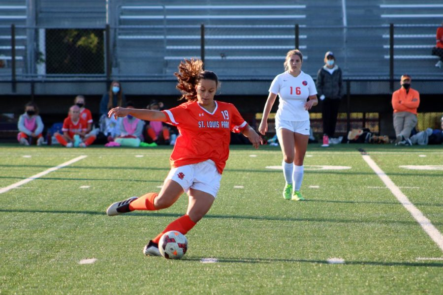 Junior Paloma Dasilva passes ball to teammate during the Sep. 10 game. Park lost a tough battle to Cooper with a 0-1 score.