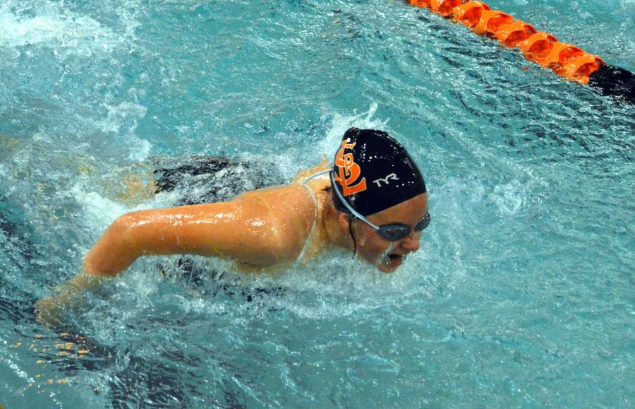 Freshman+Stephanie+Stone+swims+the+butterfly+during+her+meet+Oct.+8.+The+final+meet+for+the+JV+girls+was+on+Oct.+13.+