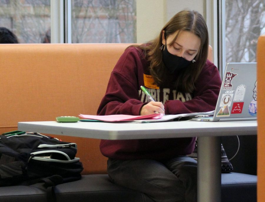 Sophomore Maren Wilsey does school work at the Oriole Study Nest Dec. 17. Students can sign up for the Study Nest sessions with their corresponding Grade Level Coordinator on the Student Support Time app.