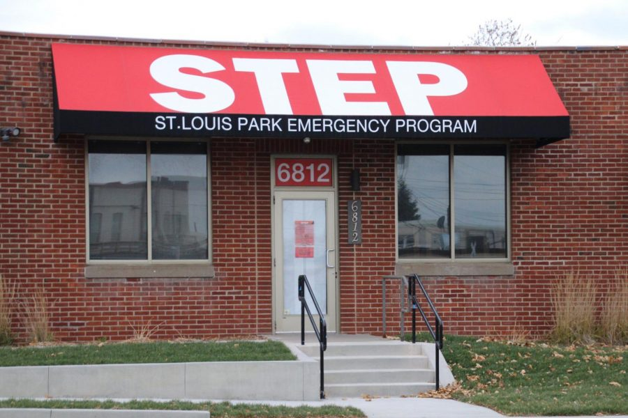 The STEP building, located on West Lake St., is unsettlingly quiet. Clients and volunteers no longer enter the building as a safety precaution. Instead, contactless pick-up is used to deliver items to those in need.