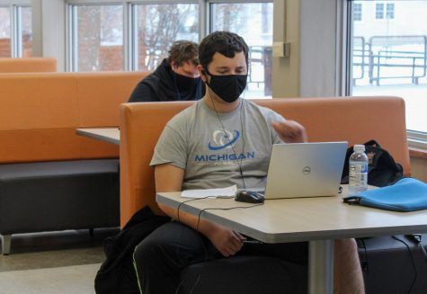 Junior Nathan Hausladen participates in his forth hour class from the Oriole Study Nest Jan. 19.  The Oriole Study Nest will remain open to students during their distance learning days.