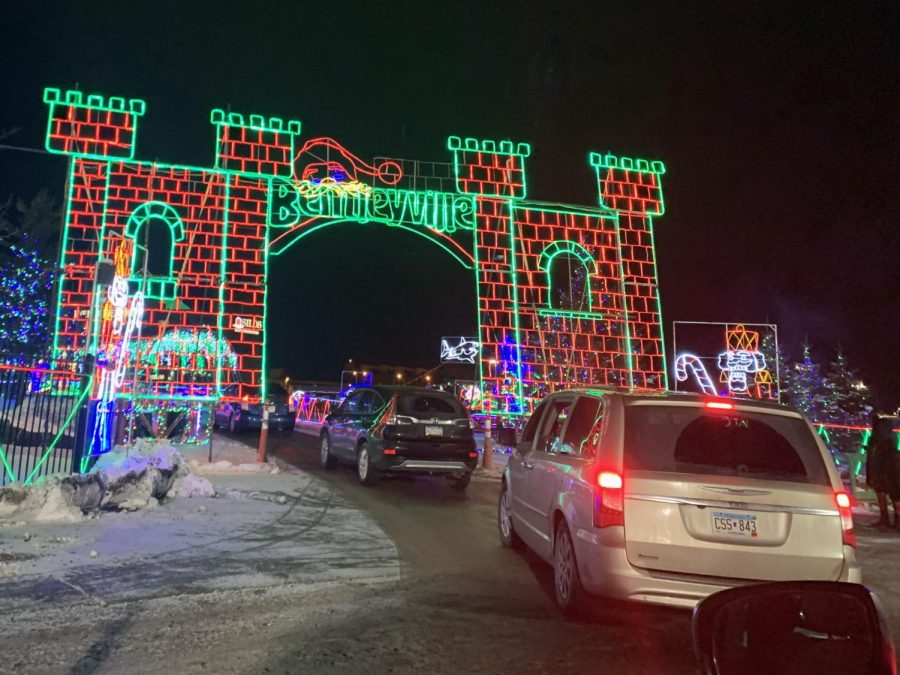 Cars+enter+the+Bentleyville+%E2%80%9CTour+of+Lights%E2%80%9D+exhibit+in+Duluth+Dec.+22.+The+event+costs+%2410+per+entrance+vehicle%2C+food+donations+are+also+encouraged.